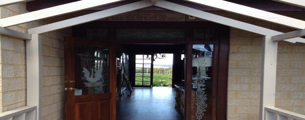 EELS0170_1521_Restaurant Partner Images_Preffered Image_Black Swan Winery_Restaurant